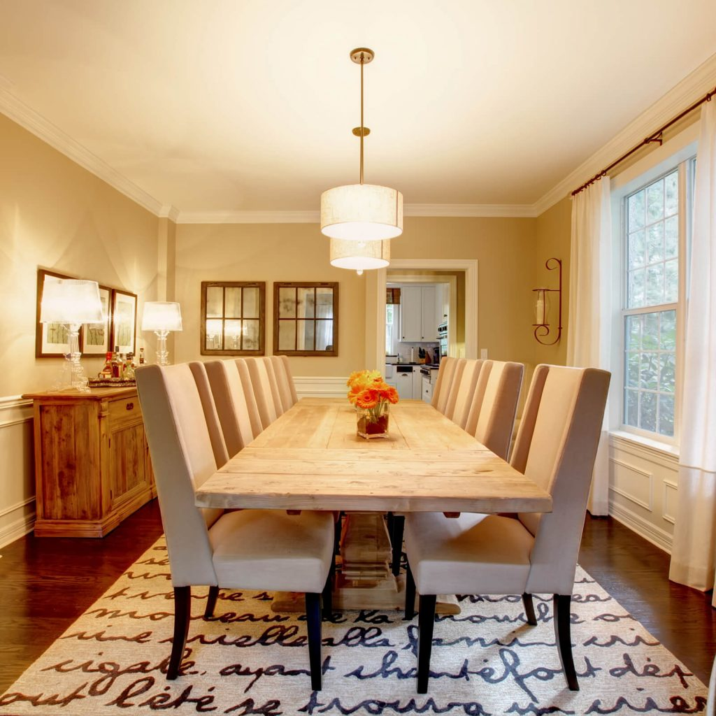Best Rug for Your Dining Room | Bowling Carpet